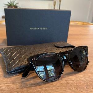 New w/box/case Bottega Veneta 52mm Sunglasses